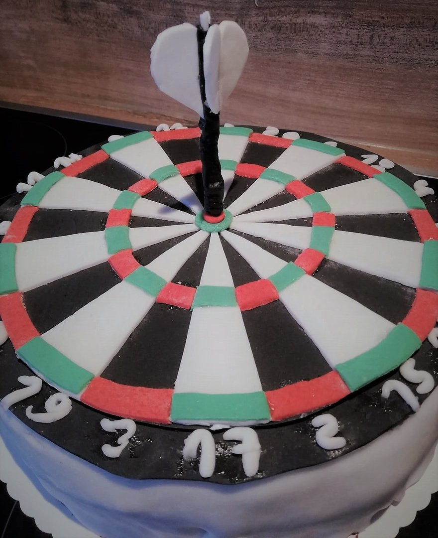 Dart Cake from Carina W.